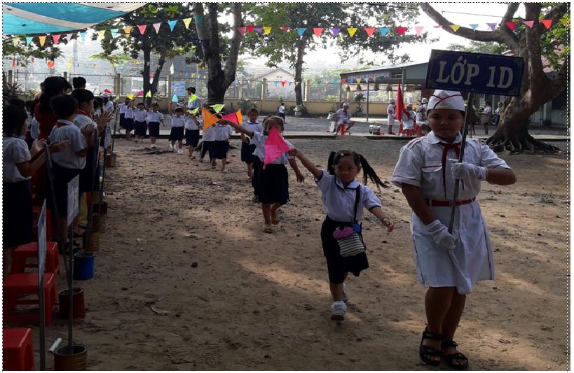 Học sinh trường Tiểu học Tân Thành rạng rỡ ngày khai trường